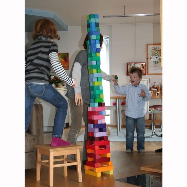 42090_construccion_gran_piramide_bloques_de_madera