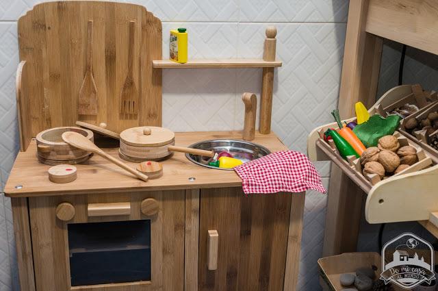 Por qu las cocinas de juguete deben estar en la cocina de for Utensilios de cocina casa joven