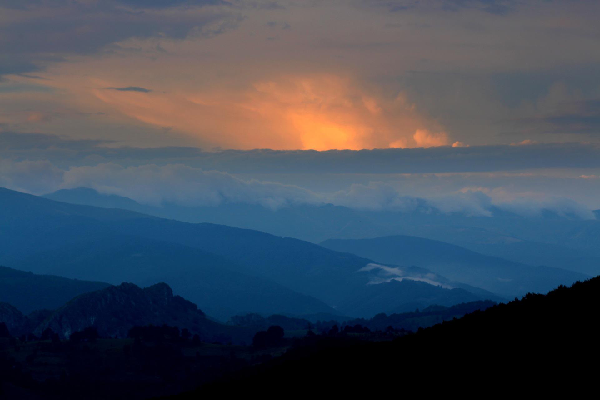 mountain-1580490_1920