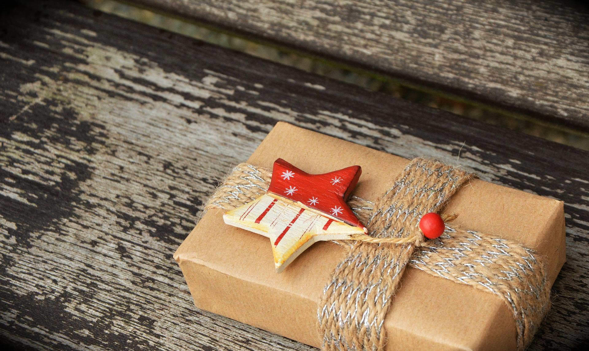 gift-1760870_1920
