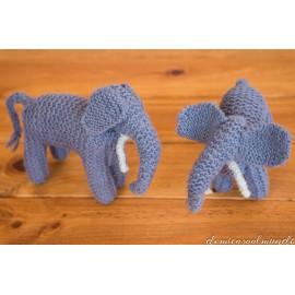elefante de lana tejido a mano waldorf
